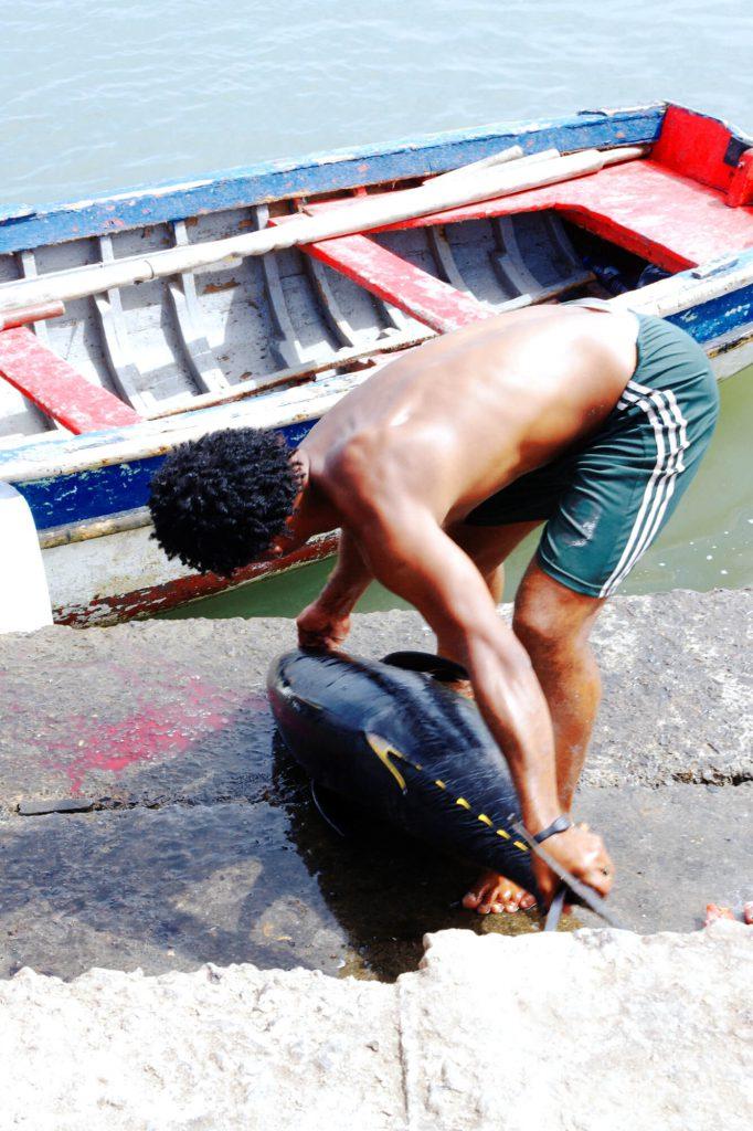 Kapverden: Fischer in Palmeira auf der Insel Sal