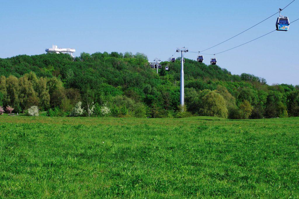 Gärten der Welt Berlin - Schwebebahn zum Kienberg und Wolkenhain