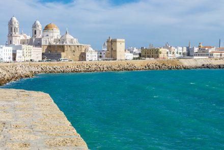 Cadiz: Uferpromenade und Kathedrale